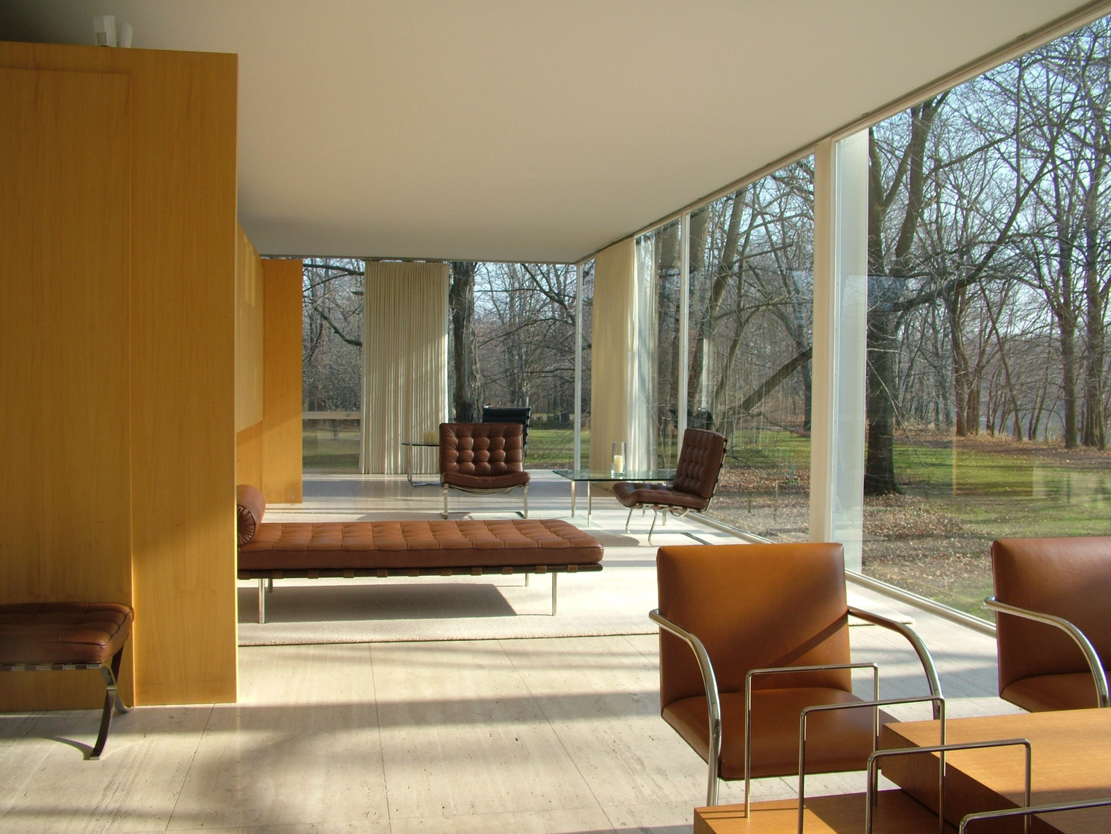 design icons ludwig mies van der rohe. Black Bedroom Furniture Sets. Home Design Ideas