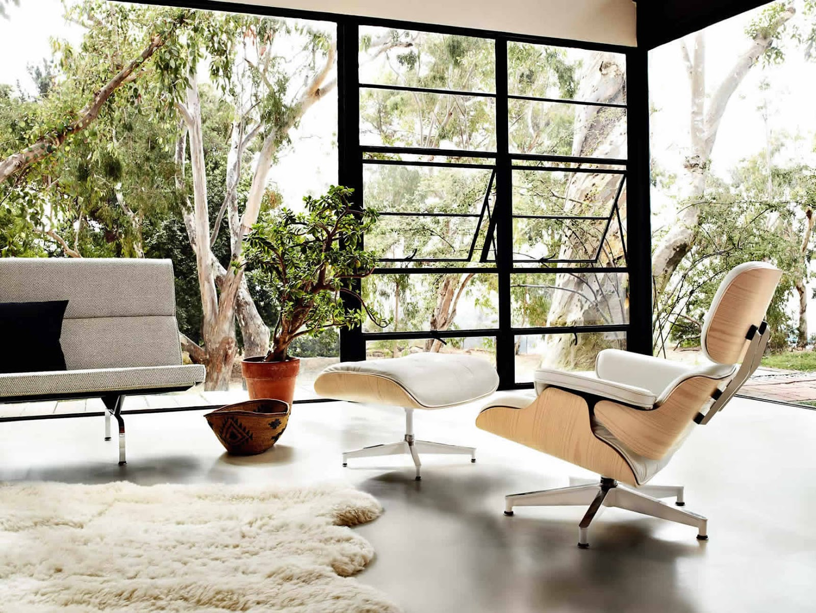 Terrific Eames Lounge Chair And Ottoman Designed In 1956 In White Alphanode Cool Chair Designs And Ideas Alphanodeonline