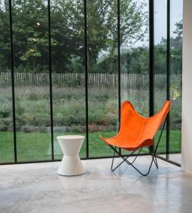 via Belgian interior designer Benoit Viaene
